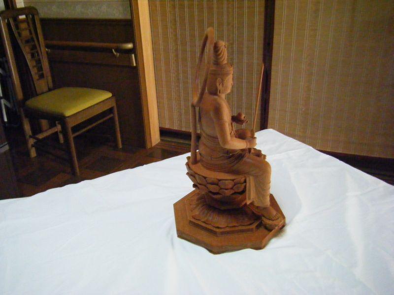 仏像用木材で作成した商品