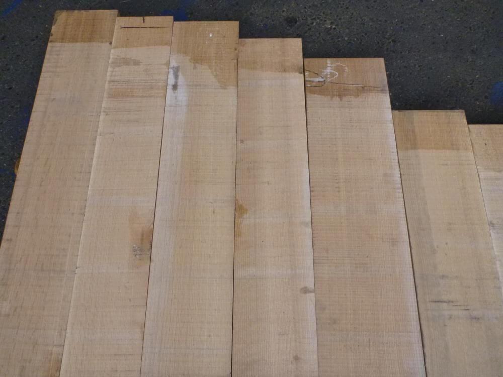 ノーザン・レッドオーク 18ミリ 薄板 柾目