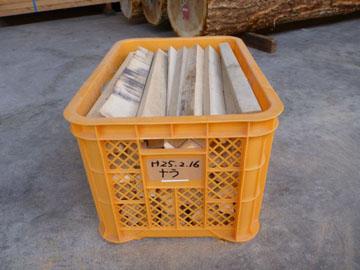ナラ 薪材 20kg MKN-1