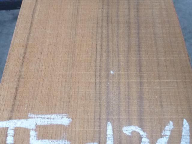 チ-ク 片耳付き 柾目板 TE-124